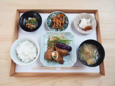 〈竈〉昼の定食