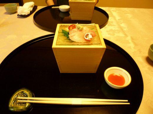日本料理 つる由